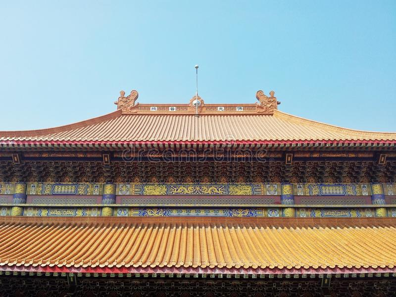 Download Toit de temple chinois photo stock. Image du gouttières - 45367796