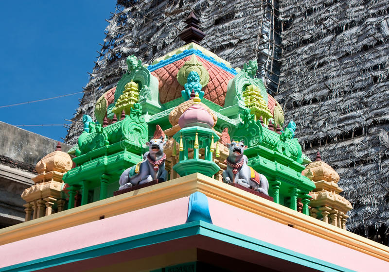 Toit de temple indou de Sri Meenakshi à Madurai image libre de droits