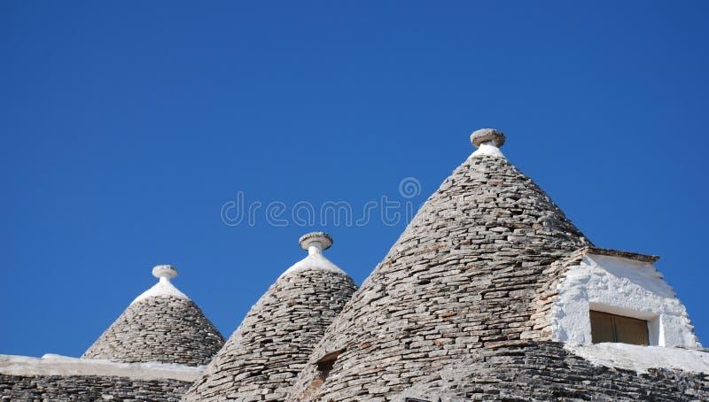 Toit de Trullo avec la fenêtre, Alberobello images libres de droits