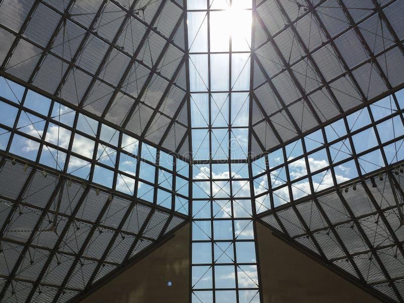 Toit en verre de musée de MUDAM au Luxembourg 1 photo libre de droits