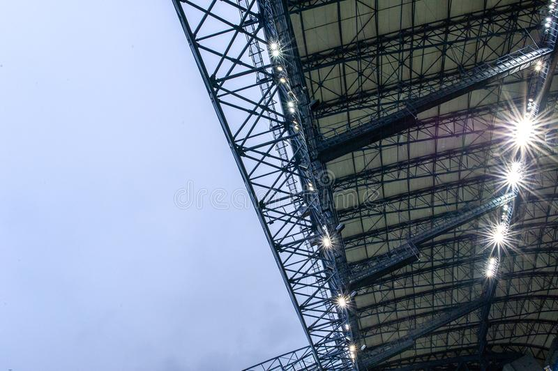 Toit et lumières de stade photo stock