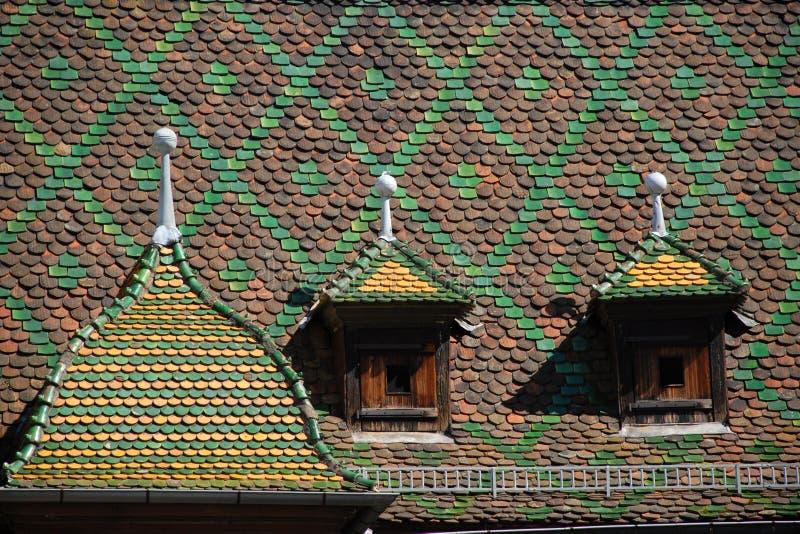 Toit historique à Colmar photo stock