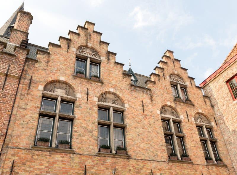 toits Étape-à pignon à Bruges photo stock