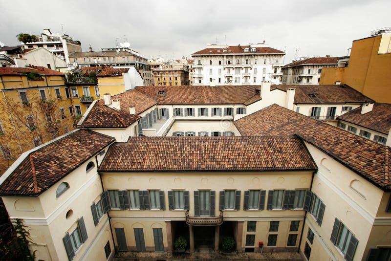 Toits de Milan photos libres de droits