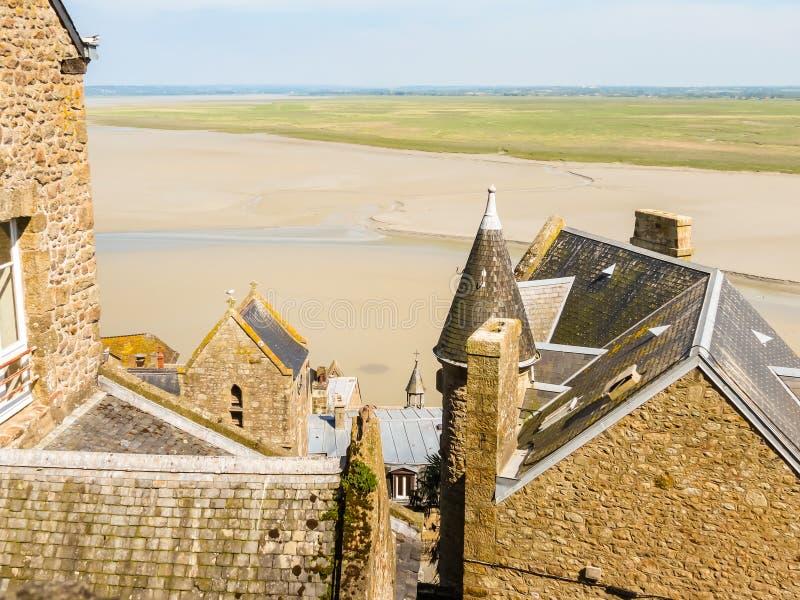 Download Toits De Mont Saint-Michel, France Image stock - Image du histoire, mont: 76080025