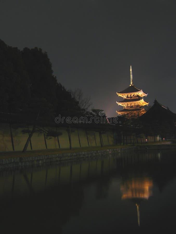 toji för japan kyoto natttempel royaltyfri bild