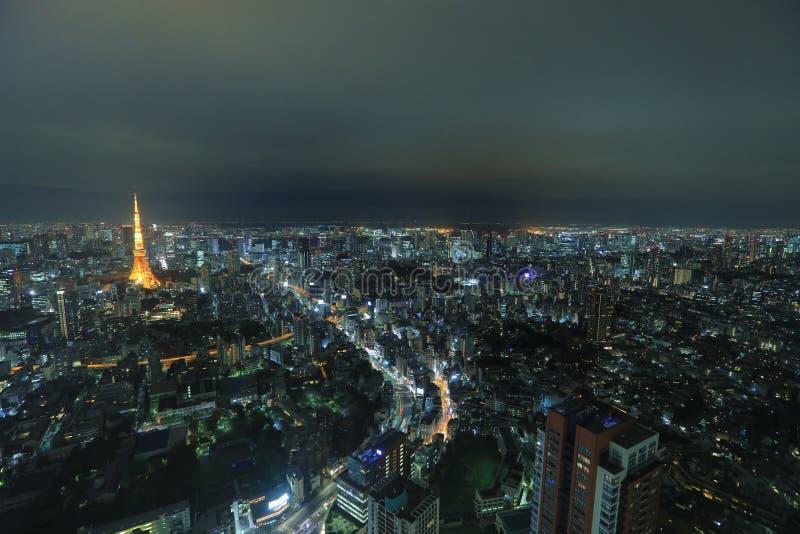 Tokio góruje jak widzieć z linią horyzontu od metropolita zdjęcie royalty free