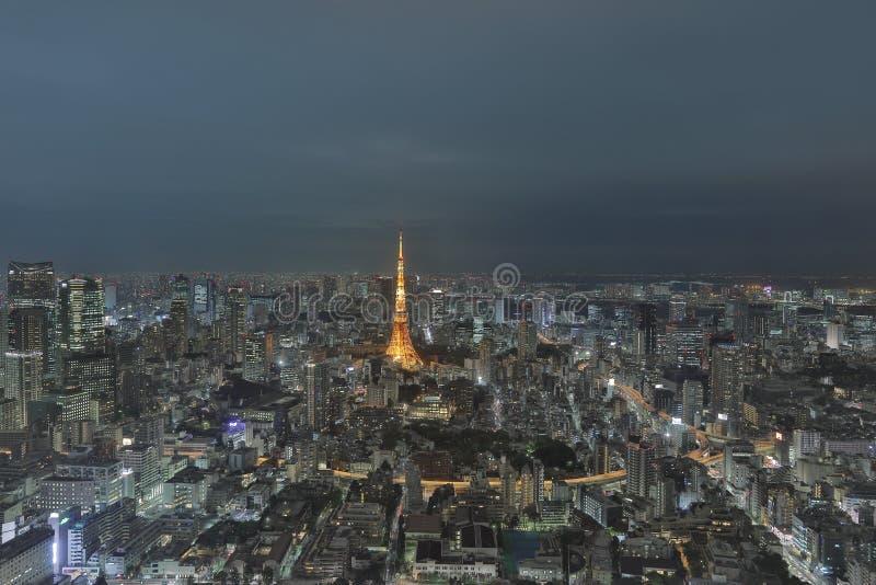 Tokio góruje jak widzieć z linią horyzontu od metropolita obraz royalty free