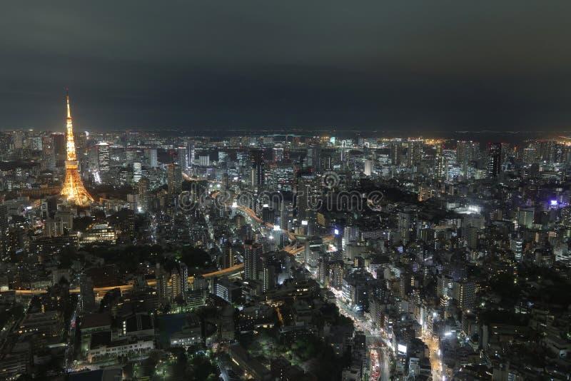Tokio góruje jak widzieć z linią horyzontu od metropolita zdjęcia royalty free