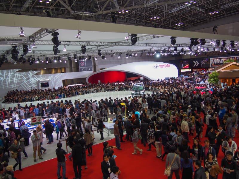 TOKIO, JAPÓN - 23 de noviembre de 2013: Cabina en el motor de Toyota imágenes de archivo libres de regalías