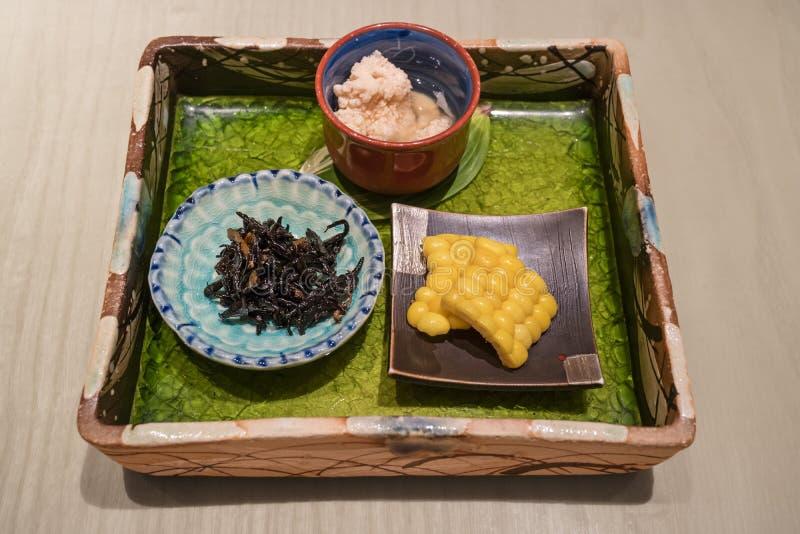 Tokio - Japón, el 18 de junio de 2017; Plato servido delicado tradicional w imágenes de archivo libres de regalías