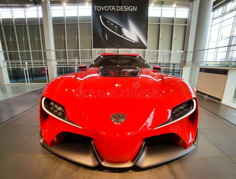 TOKIO JAPONIA, LIPIEC, - 10, 2017: TOYOTA pojęcia samochody FT-1, fotografia stock