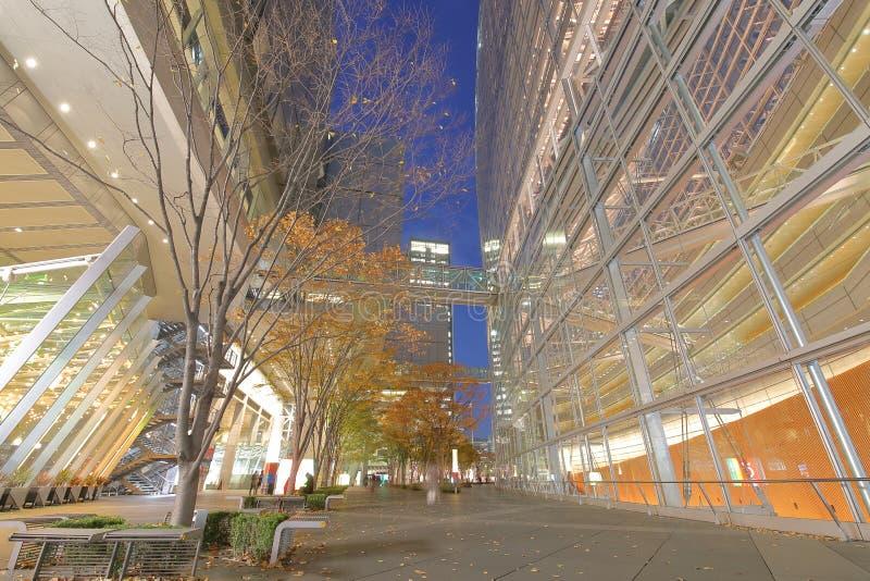 Tokio międzynarodowego forum nowożytna architektura buduje Japonia zdjęcia stock