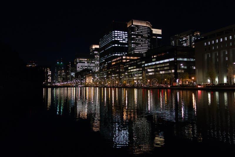 Tokyo bis zum Nacht lizenzfreies stockbild