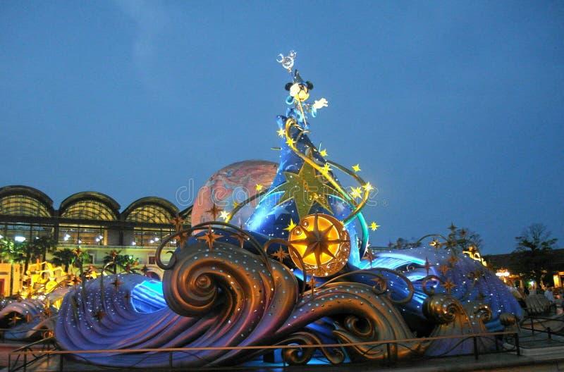 Tokyo Disney in de nacht in jaar 2012 stock foto