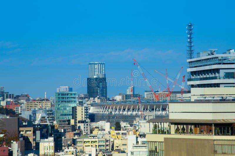 Tokyo horisont i trevlig dag arkivfoto