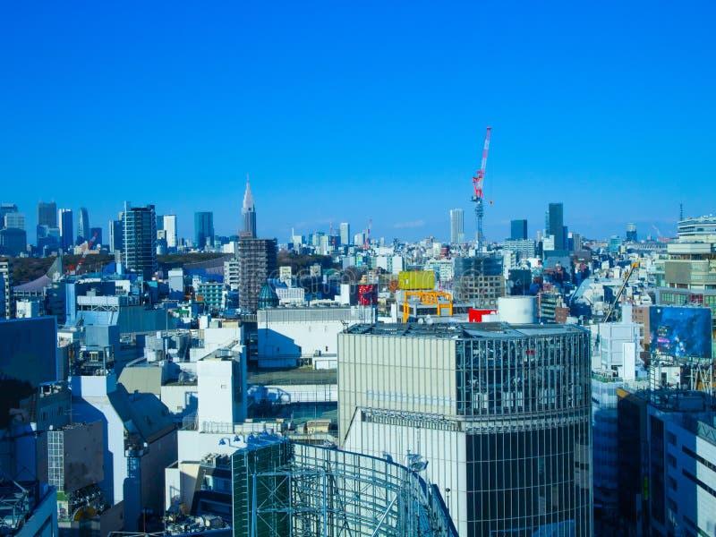 Tokyo horisont i trevlig dag royaltyfri foto
