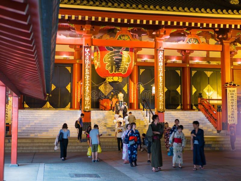 Tokyo, Japan 8 september, 2018 -: Kaminarimon, Grote Lantaarn hing over poort bij tempel Senso -senso-ji Nieuwjaar bij Asakusa-te royalty-vrije stock foto