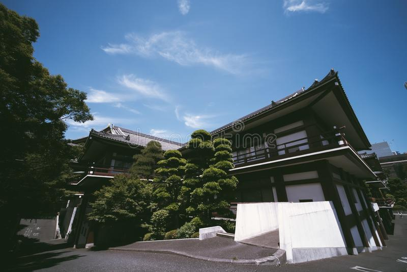 tokyo Japan, templet, zojojien, asia som är japansk, tornet, asiatet, buddhism, zojoen-ji, shibaen, loppet, buddisten, staden, re arkivbild
