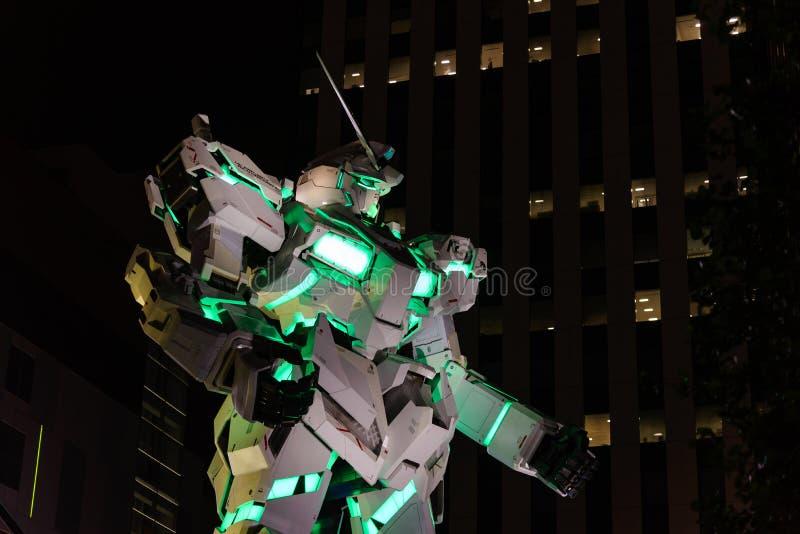 Tokyo, Japon - juillet 2018 : Vrai-taille d'Unicorn Gundam RX-0 se tenant devant le plongeur City Tokyo Plaza images libres de droits