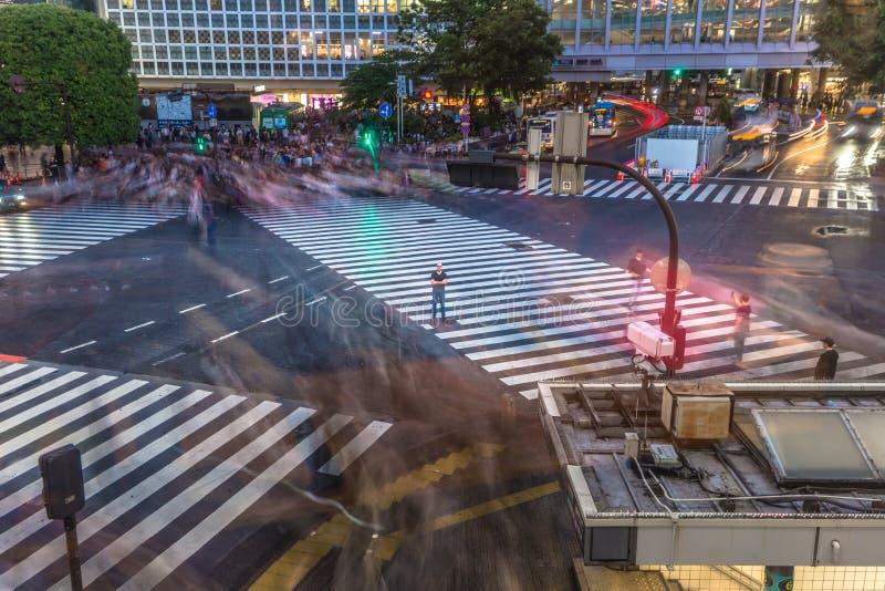 Tokyo - Mei 21, 2019: Gooi kruising in het district van Shibuya in Tokyo, Japan door elkaar stock foto