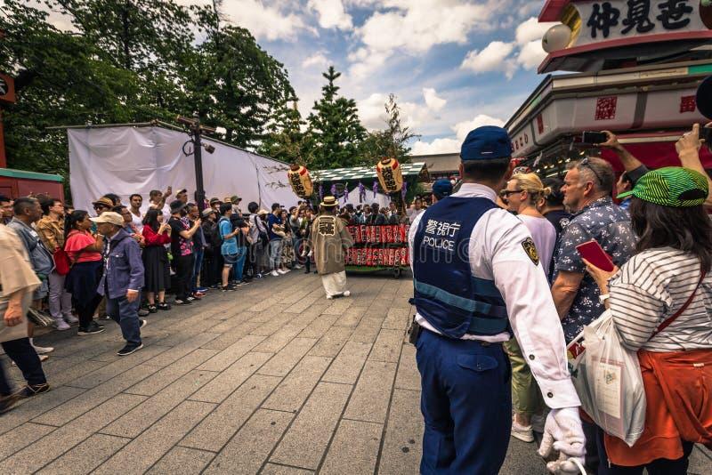 Tokyo - Mei 18, 2019: Sanja Matsuri Festival-menigte in Asakusa, Tokyo, Japan stock foto