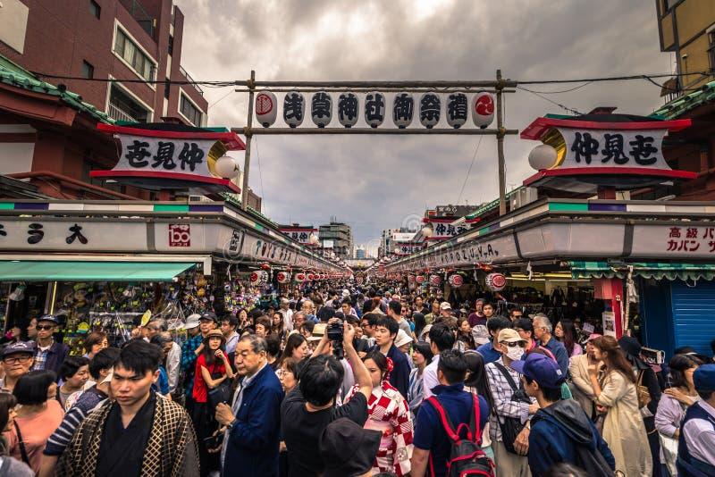 Tokyo - Mei 18, 2019: Sanja Matsuri Festival-menigte in Asakusa, Tokyo, Japan royalty-vrije stock afbeelding