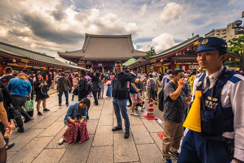 Tokyo - Mei 18, 2019: Sanja Matsuri Festival-menigte bij de Sensoji-tempel in Asakusa, Tokyo, Japan stock afbeelding