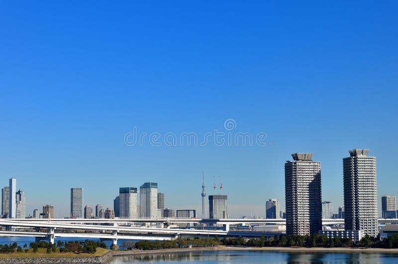 Tokyo Skytree vu d'Odaiba. images libres de droits