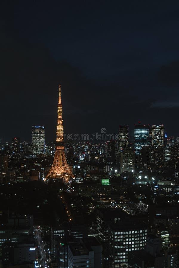Tokyo-Stadt an der Nachtansicht von Tokyo-Turm lizenzfreie stockbilder