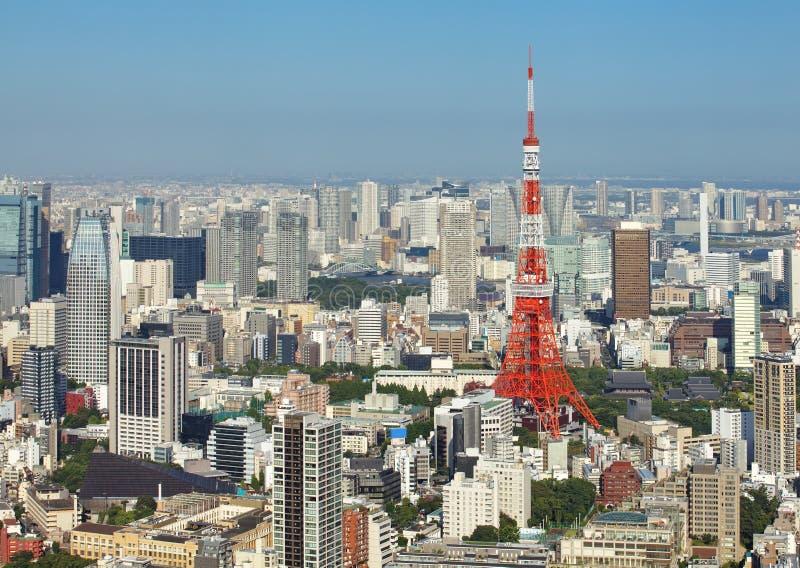 Tokyo-Stadt- und Tokyo-Turm lizenzfreie stockfotos
