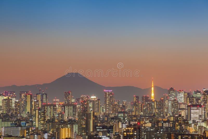 Tokyo-Stadtansicht mit dem Fujisan lizenzfreie stockfotos