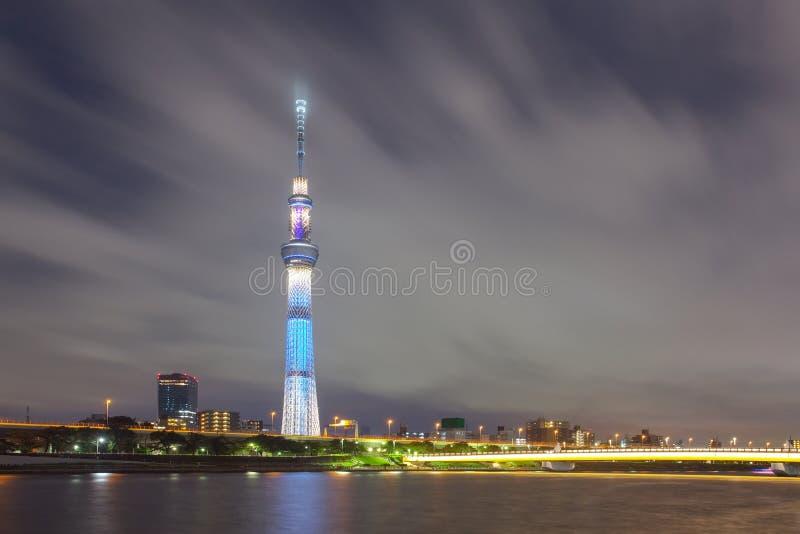 Tokyo-Stadtansicht und Sumida-Fluss stockfotos