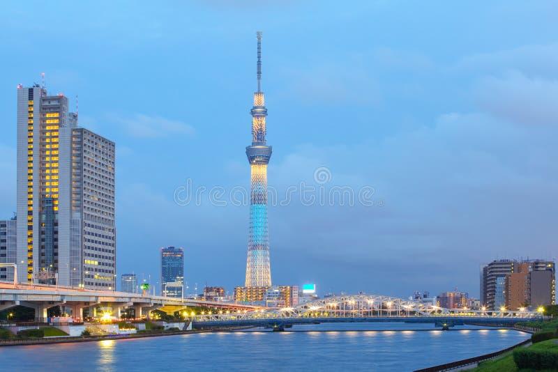 Tokyo-Stadtansicht und Sumida-Fluss stockbilder