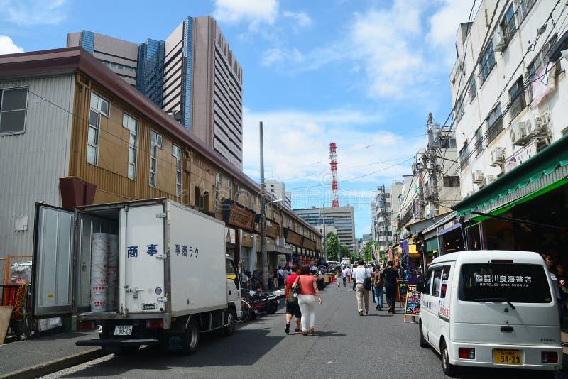 Tokyo, Tsukiji Japan - 18. August 2015 - Tsukiji-Fischmarkt ist Th lizenzfreie stockfotos
