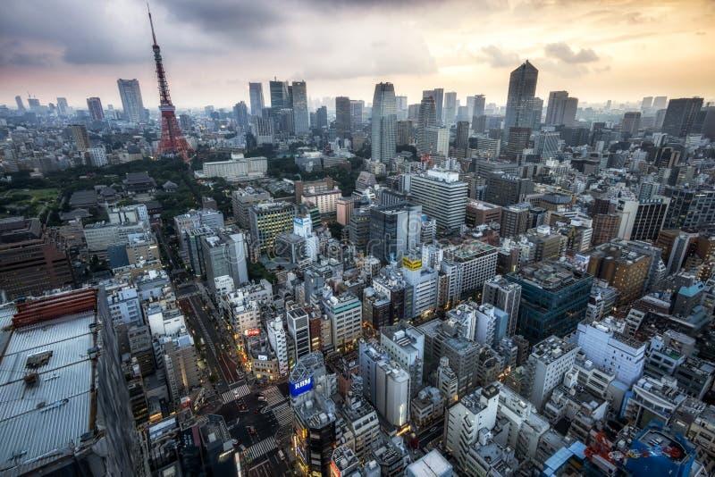 Download Tokyo-Turmstadtansicht redaktionelles stockfoto. Bild von iconic - 96934628