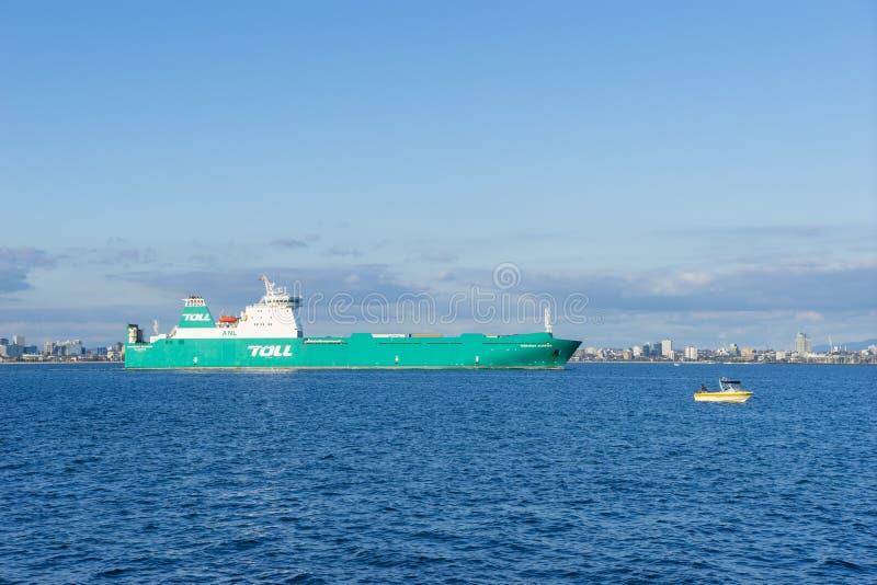 Tol verschepend schip die in het overzees in Melbourne varen royalty-vrije stock foto