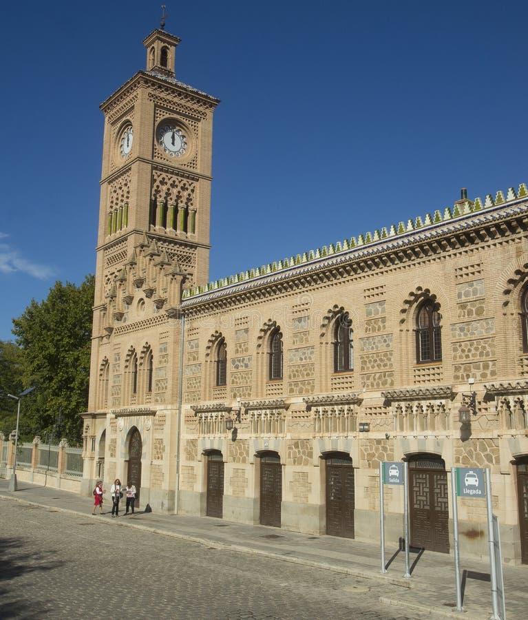 Toledo, Castilla La Mancha/Spanje 19 oktober, 2017 Station, in 1919 wordt en in 2005 wordt het hersteld ingehuldigd die die verde stock fotografie