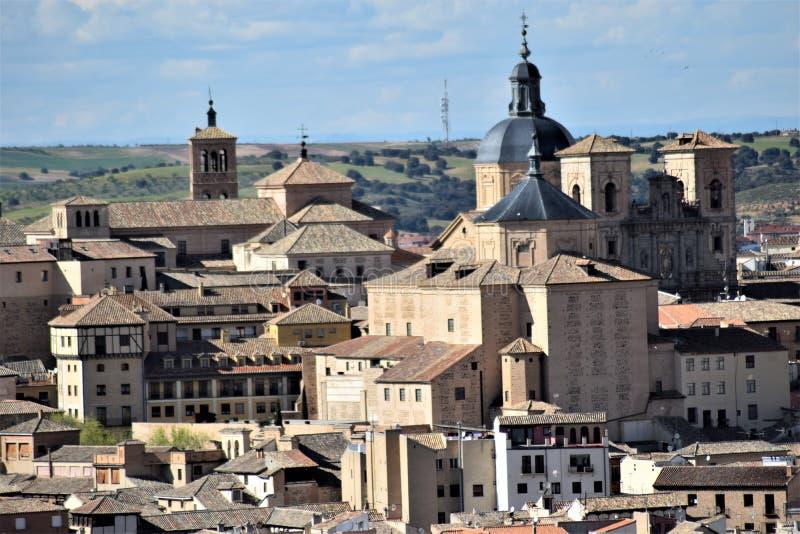 Toledo en av de mest härliga städerna i Spanien royaltyfri foto
