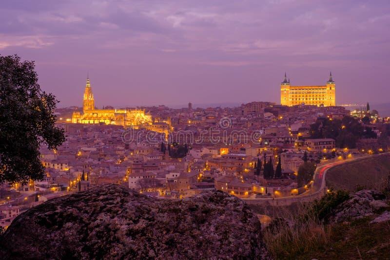 Toledo en la puesta del sol imagenes de archivo
