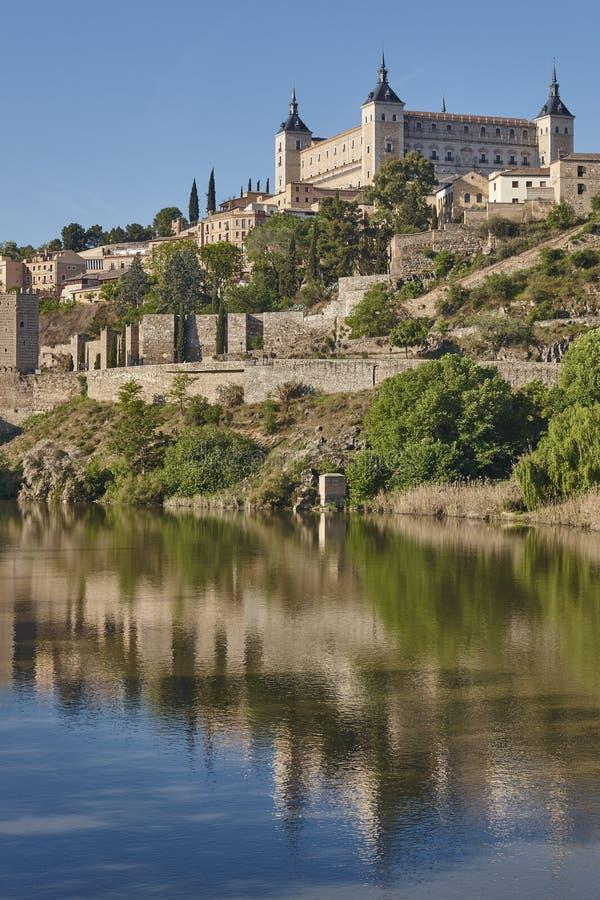 Toledo-Stadt und Tajo-Fluss Spanischer mittelalterlicher historischer Platz stockbild