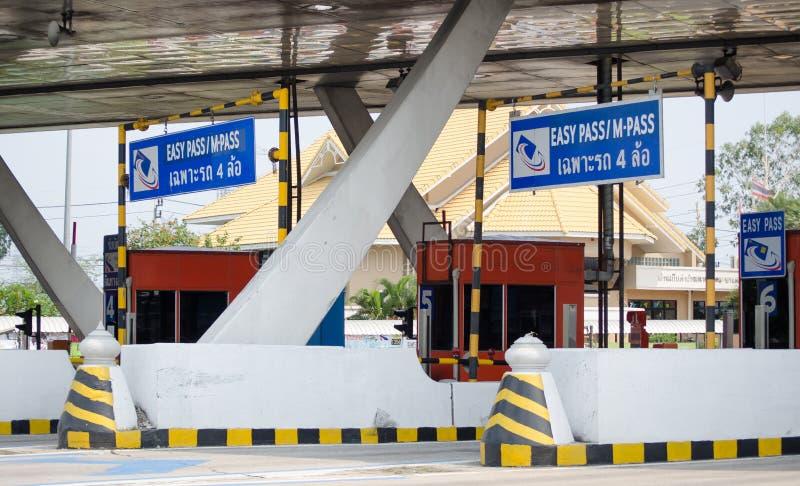Tollway bramy stacja dla wynagrodzenie opłaty drogowa opłaty zdjęcia royalty free