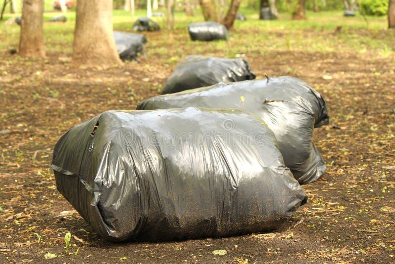 Tolo dos sacos de lixo do lixo fotos de stock