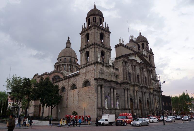 Toluca mexico-katedralvy royaltyfri bild