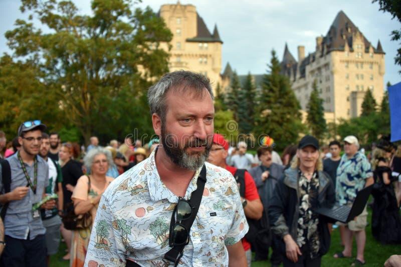 Tom Green bij sparen de verzameling van Chateau Laurier in Ottawa stock foto's