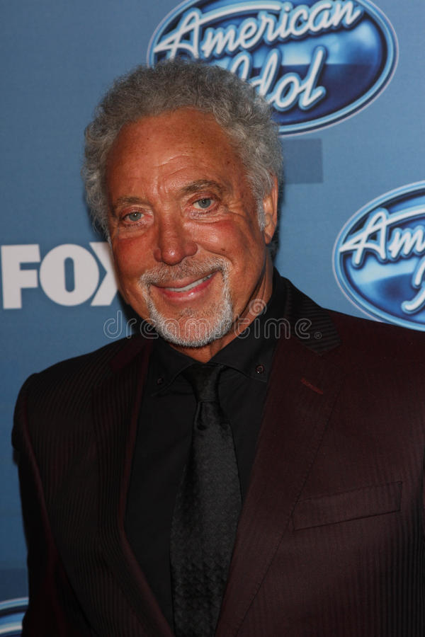 Download Tom Jones redaktionell arkivfoto. Bild av lokal, press - 37346193