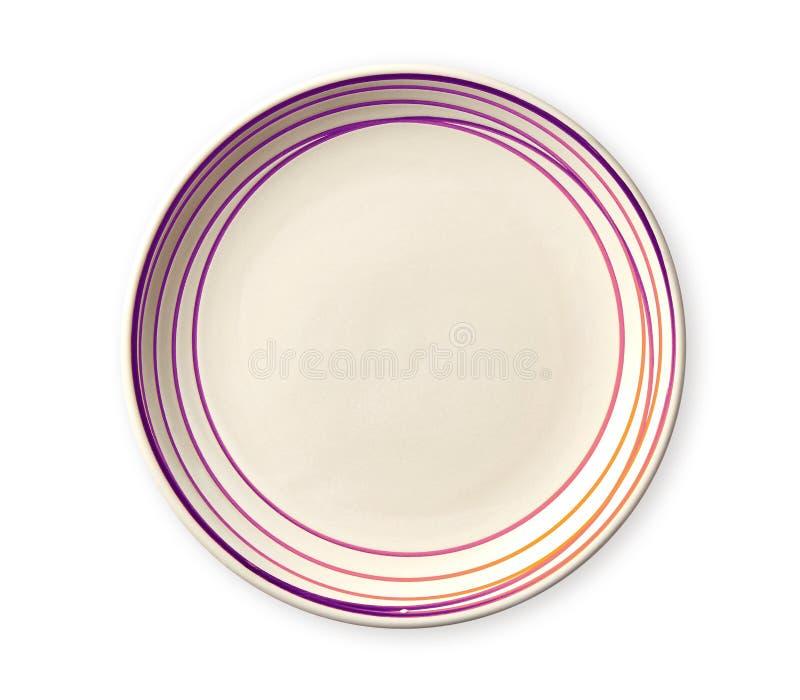 Tom platta med rosa färgmodellkanten, keramisk platta med den spiral modellen i vattenfärgstilar, sikt från över som isoleras på  arkivfoto