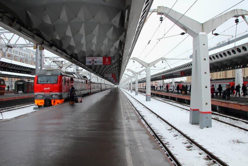 Tom plattform på Moskvastationen arkivfoto