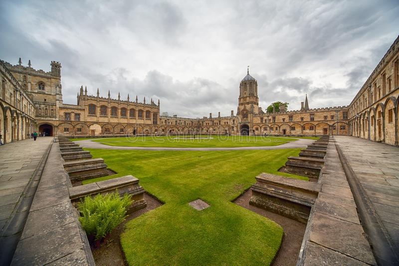 Tom Quad oxford universitetar england arkivbild