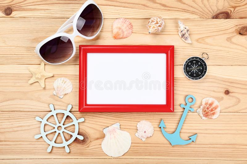Tom ram med snäckskal, solglasögon fotografering för bildbyråer